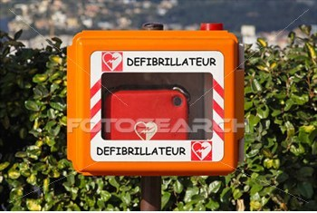 defibrillator_~k12091672