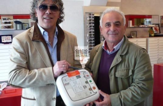 L'Ottica Ferrara  di Angelo Ferrara regala il defibrillatore al Città di Trapani Calcio web