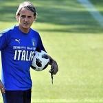 """Mancini: """"bisogna trovare il coraggio di far giocare i giovani, mai così pochi italiani in campo."""""""